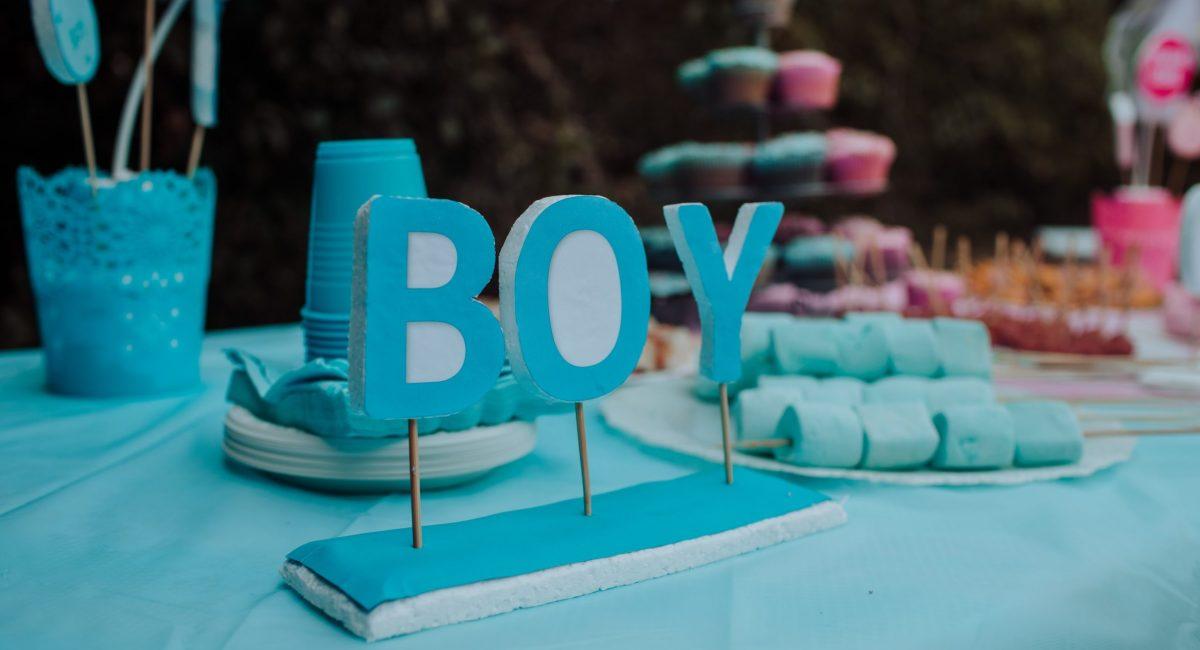 blue-boy-freestanding-decor-2091331